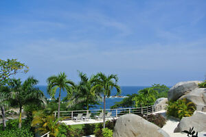 Oceanfront luxury with On-Site Amenities in Huatulco, Mexico
