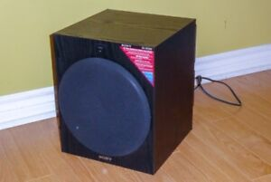 Subwoofer: Sony SA-W2500