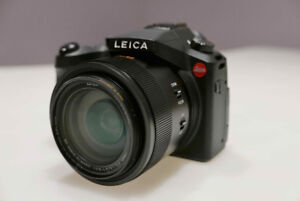 Leica V-LUX Type 114 Camera