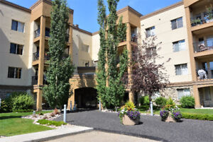 LARGE & PRIVATE ADULT LIVING CONDO