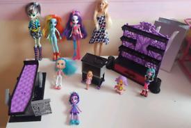 Large Bundle Of Dolls & Papas