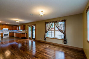 Beautiful House on quiet, family cul de sac for rent Prince George British Columbia image 3
