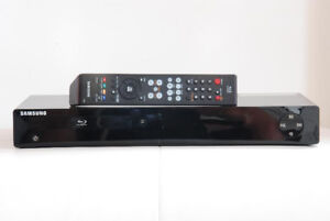 Samsung BLU-Ray DVD Player with Remote, in mint condition
