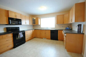 2 Bed 1.5 Bath - WEM - Main Floor - Laundry, Garage