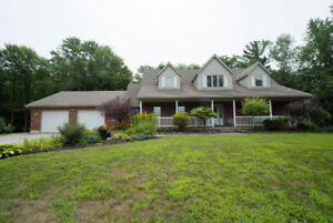 532 Vittoria Road- OVER 3000 SQUARE FEET OF LIVABLE SPACE