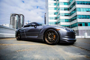2011 Nissan GT-R premium Coupe (2 door)