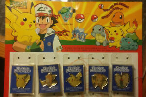 1999 Pokemon Pins 25 Pins on Retail Card Japanese
