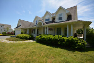 OPEN HOUSE ON THE RIVER, 84 EMILY COURT, Sun Aug 19, 2-4