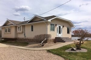 Beautifully Maintained Bungalow on Claude Lake! Lac La Biche
