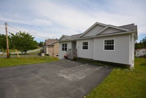 Beaver Bank Bungalow - Open Concept and Young in Age