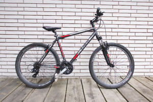 TREK 820 Mountain Bike (CUSTOM)
