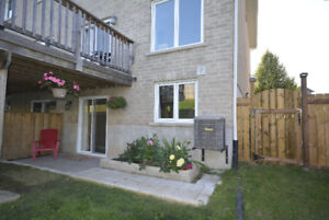 Private quiet Bright Newer 1 bedroom Aug. 1st All incl.