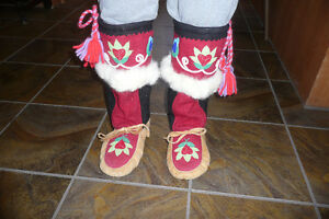 Women's Mukluks, Size 9, Made in Sioux Lookout Ontario