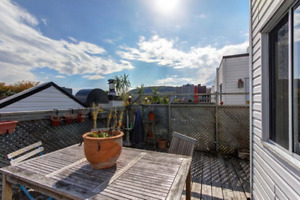 Ave Mont Royal Fully Furnished Apartment + Terrace (Plateau)
