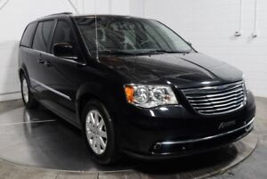 2015 Chrysler Town & Country EN ATTENTE D'APPROBATION