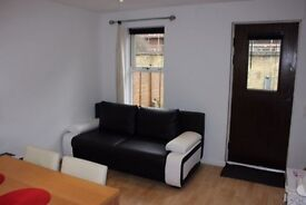 1 BED FLAT WITH GARDEN: IRONSIDE CLOSE SURRY QUAYS SE16 6DS