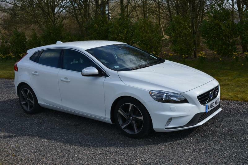 volvo v40 r design 1 6 lux nav d2 diesel 2014 63 white leather sat nav tax 0 in leicester. Black Bedroom Furniture Sets. Home Design Ideas