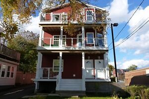2 BR Flat Downtown Dartmouth 197 Portland St!