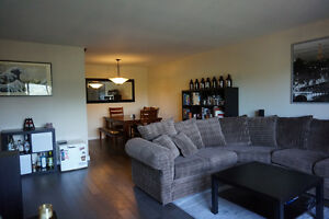 Renovated 2 Bedroom Apartment for Sublet October 1/17!