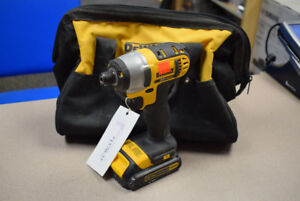"Dewalt 20V MAX* LITHIUM ION 1/4"" Impact Driver With Case"