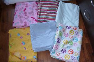 Draps, couvre-matelas et couvertures lit simple