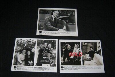 ORIGINL '93 PBS MISTER ROGERS NEIGHBORHOOD 25TH ANNIVERSARY PRICE IS FOR 1 PHOTO