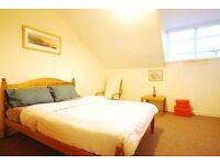 Quality Double Room in Bayswater, Walk in Wardrobe