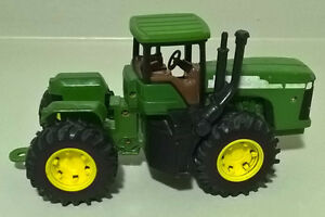 John Deere Collectible Edition Toy Tractor Diecast Hood
