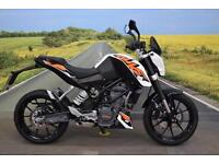 KTM 125 Duke **ABS, Fly Screen, Optimate Cable**