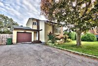 House with garage for rent - Maison a louer- Ile Bizard