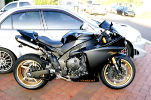 2010 Yamaha R1 Only 15 000KM