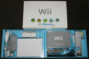 Nintendo Wii CIB with 2 Games