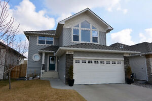 FAMILY HOME IN THE RIDGE - SHERWOOD PARK