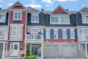 Lovely 3 Storey 2 Bed Town Home in Fairwinds