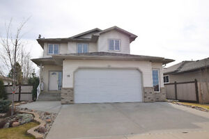 *****MINT CONDITION TWO STOREY IN CALMAR, 1668 SQ. FT*****