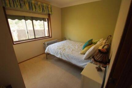 Fully furnished bedroom in share accommodation, bills included Glen Alpine Campbelltown Area Preview