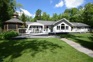 Haliburton Real Estate Team-Spruce Lake Home/Cottage-$1,140,000 Kawartha Lakes Peterborough Area image 1