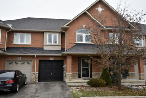 Attractively Updated 3 Bedroom Townhouse in Stoney Creek