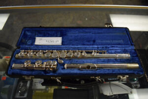 Beautiful Selmer Flute With Carrying Case (#1241-1)