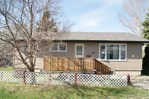 215 1st Ave. S.E., Moose Jaw