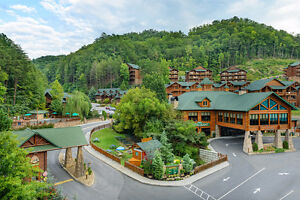 BEAUTIFUL FALL SMOKY MOUNTAIN GETAWAY..GATLINBURG..TENNESSEE