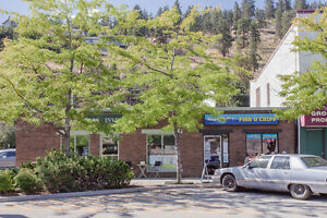 FOR SALE:   5860 Beach Avenue, Peachland, V0H 1X0