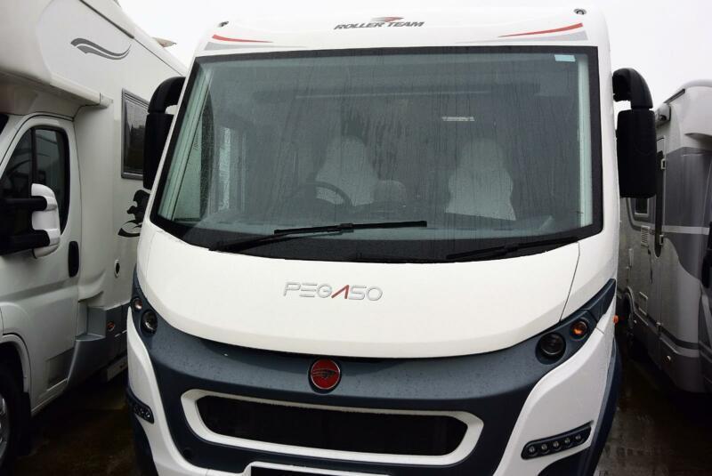 f348e0f34b Roller Team PEGASO 745