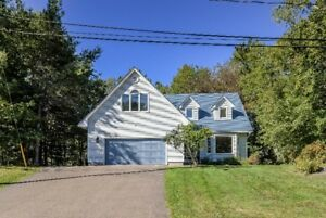 191 Canusa Drive, Riverview - Spacious Home With In-Law Suite