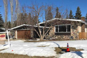 Large 5 bedroom house (Near UofA/Whyte Ave)