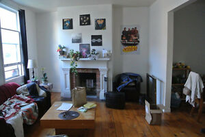 Room for Rent (Queen's Students ONLY)