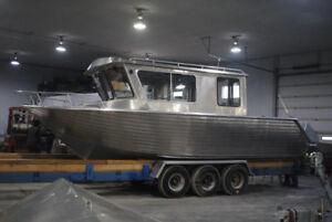 28' x 10' Aluminum Cruiser