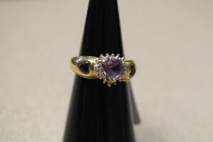 10K Yellow Gold Ring w/ Lilac Heart Shaped Stones (#3112)