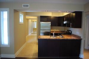 Sandy Hill Roommate needed! Washer, Dryer, Patio & AC - Sept 1st