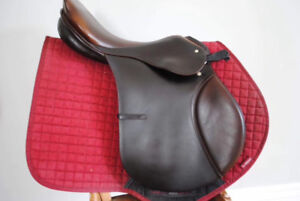"""17"""" Passier Comet II Close Contact Jumping Saddle, M, Adjustable"""